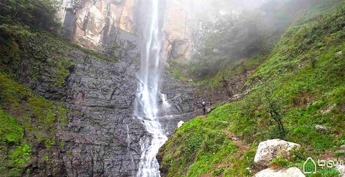 آبشار  لاتون در آستار